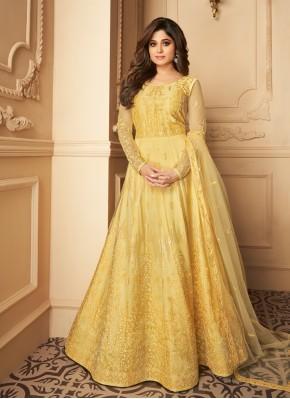 Alluring Anarkali Salwar Kameez For Reception