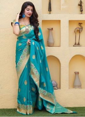 Beckoning Silk Weaving Trendy Saree