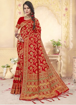 Blooming Classic Designer Saree For Wedding