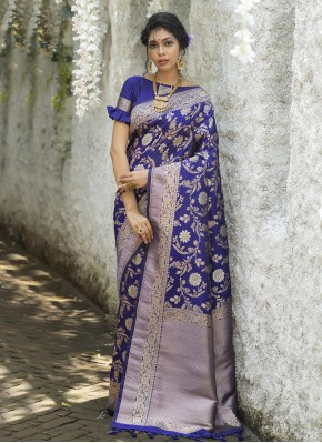 Classy Traditional Designer Saree For Mehndi