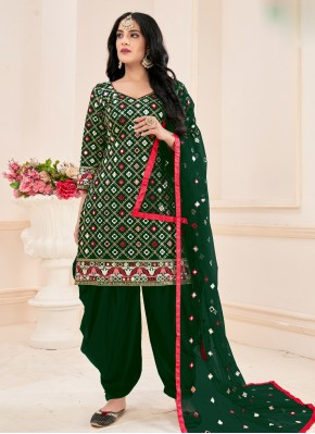 Conspicuous Mirror Cotton Green Salwar Suit