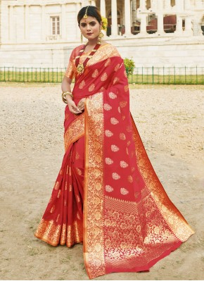 Conspicuous Silk Traditional Saree