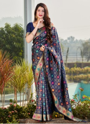 Conspicuous Weaving Blue Silk Traditional Saree