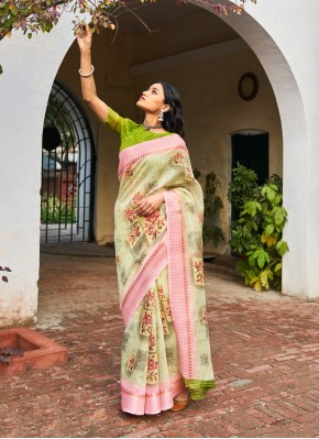 Conspicuous Weaving Traditional Saree