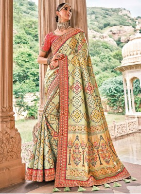 Dazzling Green Silk Classic Saree