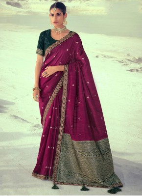 Delectable Silk Purple Weaving Traditional Saree