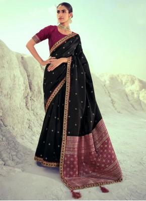 Desirable Silk Mehndi Designer Traditional Saree