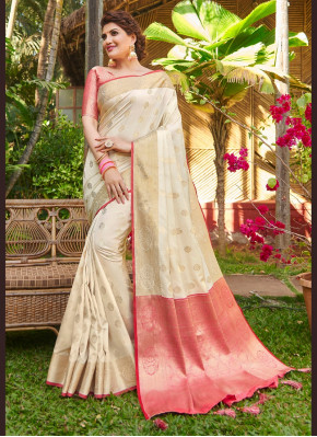 Dignified Traditional Saree for Festival