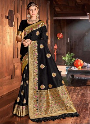 Exceeding Black Traditional Saree