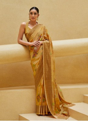 Fetching Bollywood Saree in Print