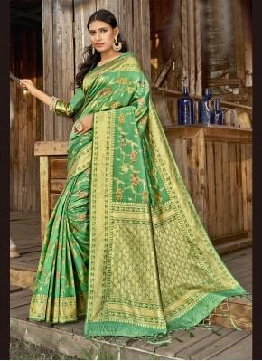 Flamboyant Banarasi Silk Weaving Traditional Designer Saree