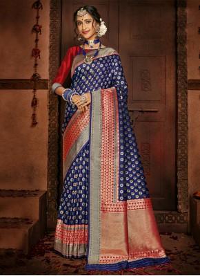 Flamboyant Silk Woven Designer Traditional Saree