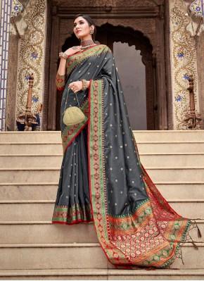 Hypnotizing Weaving Festival Traditional Designer Saree