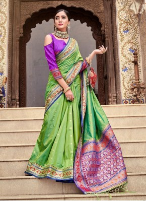 Latest Traditional Saree For Festival
