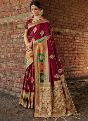 Magenta Weaving Banarasi Silk Designer Traditional Saree
