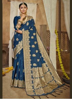 Prodigious Banarasi Silk Weaving Traditional Saree