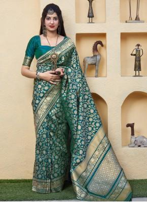 Scintillating Weaving Silk Saree