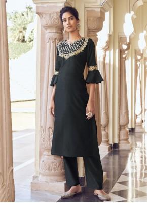 Sensible Embroidered Viscose Black Designer Kurti