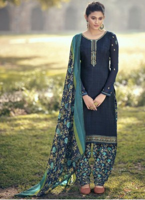 Sightly Resham Blue Faux Crepe Bollywood Salwar Kameez