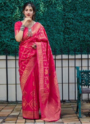 Staring Weaving Pink Classic Saree