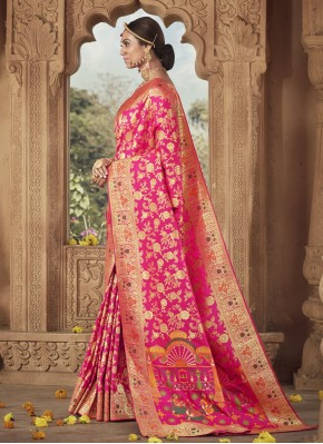 Titillating Weaving Banarasi Silk Pink Traditional Designer Saree