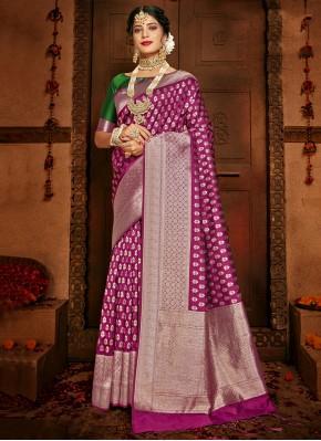 Topnotch Silk Woven Traditional Saree