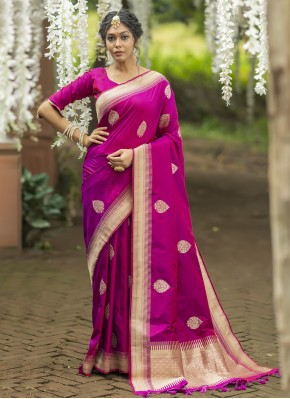 Vibrant Traditional Saree For Mehndi